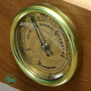 Small 00 Box humidity meter