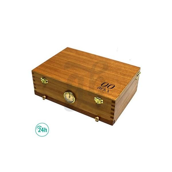 Closed Medium 00 Box