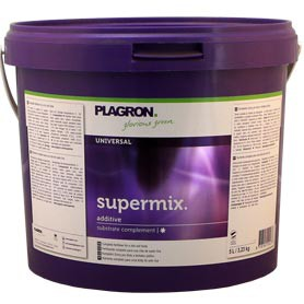Preparing Soil with Fertilizers supermix