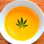 Crema de calabaza y panceta con cannabis